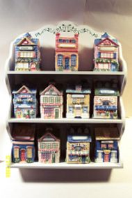 1997 Avon Cottage Collection Spice Rack & 11 Spice Jars