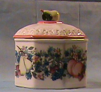 Avon Sweet Country Harvest Covered Dish or Canister