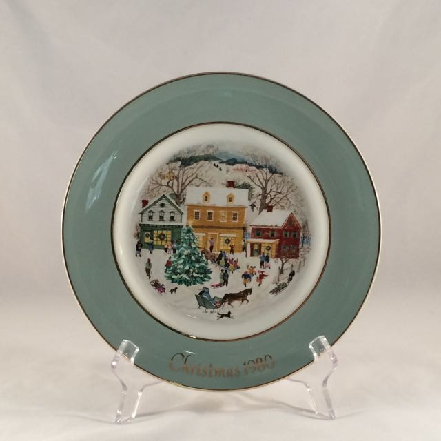1980 Avon Christmas Plate-with Original Box