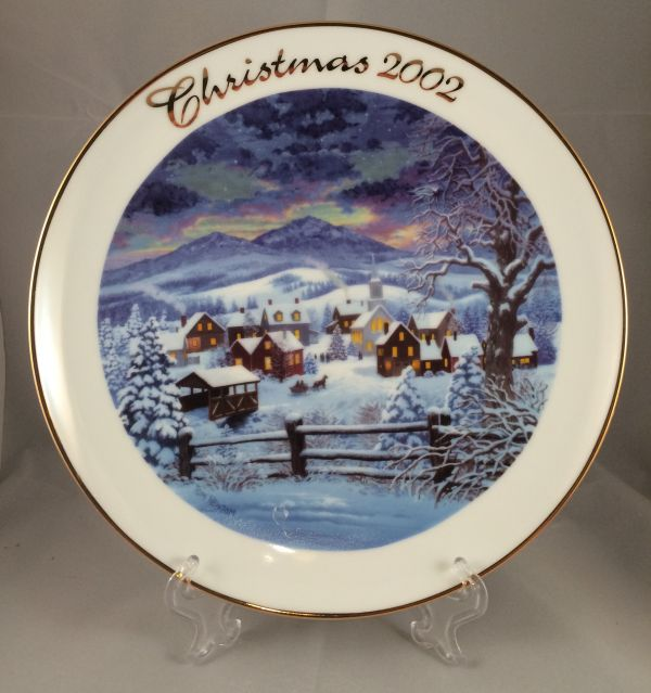 2002 Avon Christmas Collector Plate-Snowy Winter