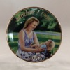SO-2006 Avon Mothers Day Plate-Caucasian