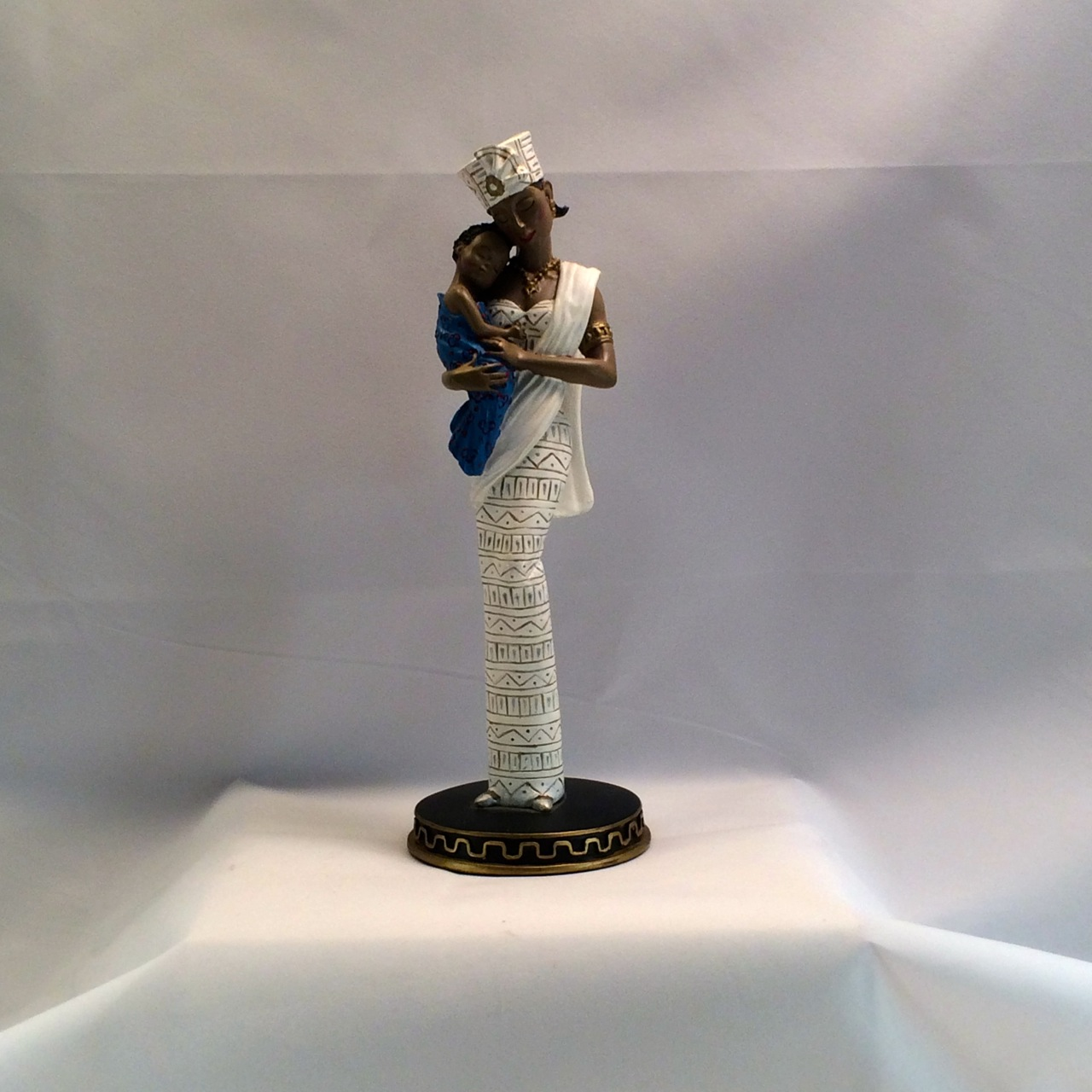 1997 Avon Essence of Motherhood Mother and Child Figurine